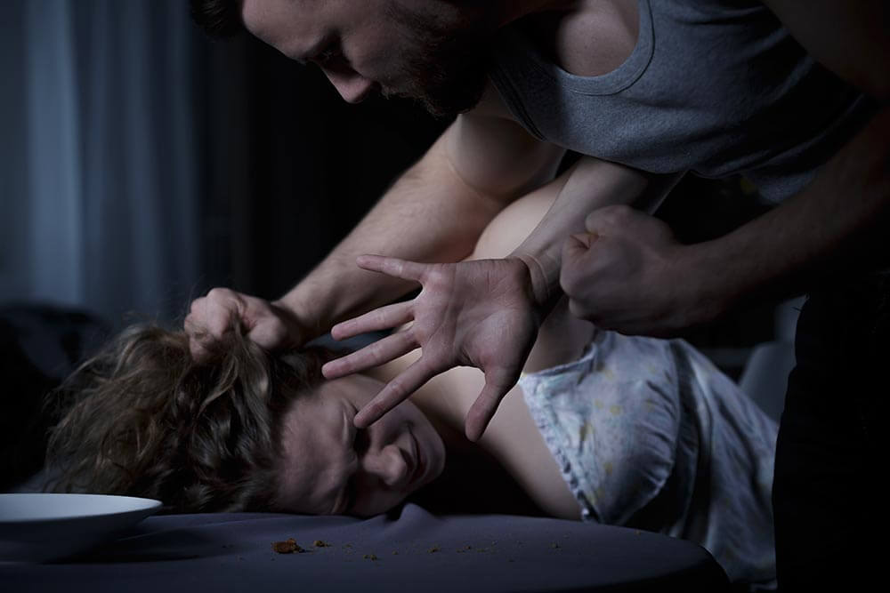 lighthousetreatment-stop-your-addicted-loved-one-from-bullying-you-article-photo-woman-being-bullied-by-drunk-aggressive-man-300645185
