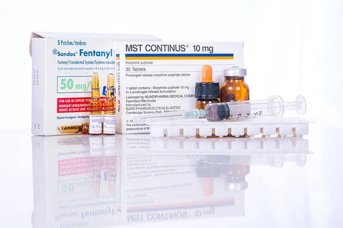 lighthousetreatment-what-is-fentanyl-and-why-is-it-so-dangerous-article-photo-drug-reduces-pain-in-patients-with-cancer-fentanyl-patch-morphine-480532210