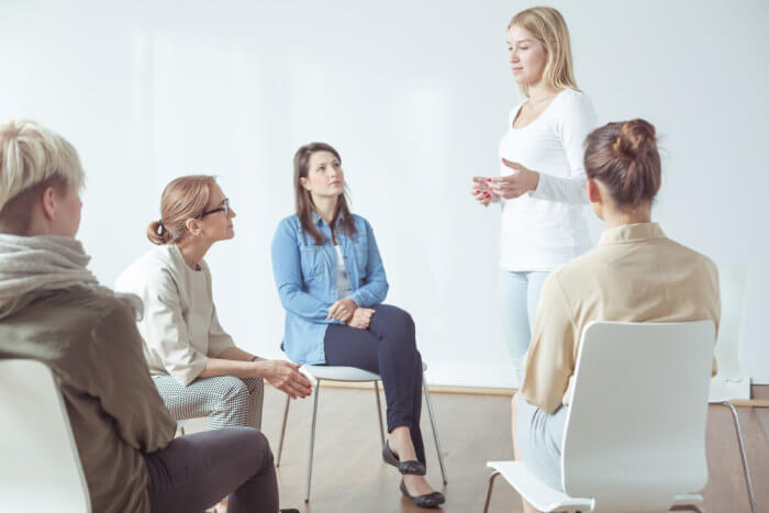 lighthouse-treatment-center-what-is-dual-diagnosis-image-of-women-in-therapy-group